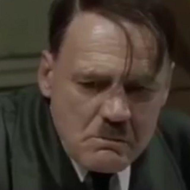 موقف هتلر من التجاوزات في البصره 😁😁😁😁😁.༄♥️(#حب)༄♥️(#صور )༄♥️(#شنشل_م