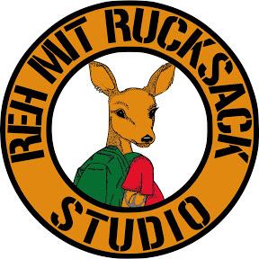 Reh Mit Rucksack Studio