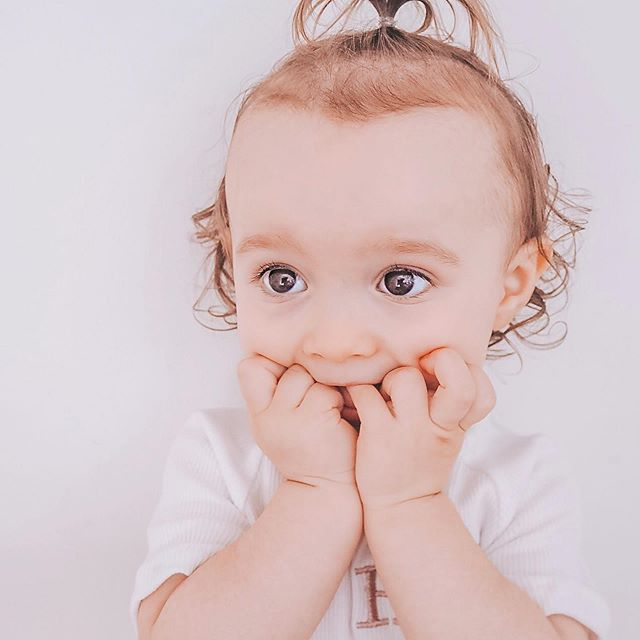OH MY GOSH! ♡ does everyone love Harlow's shocked face? So cute! . . Any way Harlow's Daddy is off work tomorrow and think we're going to take a trip to the sunflower field! I would love to try and recreate some pictures from last year! Wish me luck 🤞🏻oooh and if you so want to see last years I'll pop some on my stories! 🌻 ——————————————————————— Tagged 🖤  @foreversewingofficial ——————————————————————— #cutetoddler #mombloggersofig #bloggersofinstagram #ukmama #toddlerfashion #toddlerhairstyles #foreversewingofficial #shockedbaby #funnytoddlermoments #funnytoddler #mummemes #sunflowerfield #dayoffvibes #happywednesday