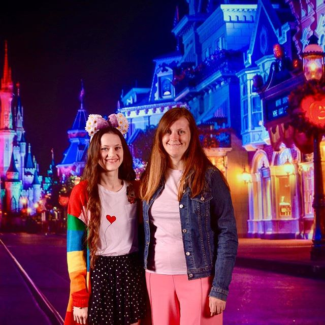 Happy September!  I can't believe how quickly this year is going!  This month I'm outfit planning ready for my trip next month! I'm so excited 🌟 Also still on the look out to get my special magic band they sell out so quick! Let me know your goals or plans for this month 😊 . . . . . #disney #disneyworld #disneyland #disneypark #disneyparks #disneysprings #waltdisney #waltdisneyworld #disneyphotopass #disneyphoto #disneygram #disneybringshappiness #disneycommunity