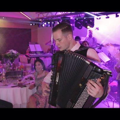 Svetski sampion✔️ Live @ Nera Palace audio :  @dusan.chegi  @chegi.music  video : @nikola.knez86  #worldchampion #harmonika #svetskisampion #dusanceganjac #masterswinner #accordion