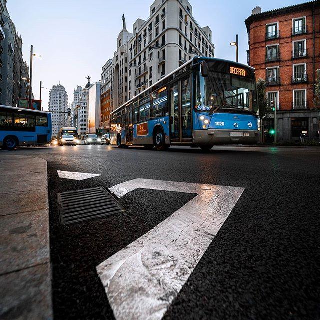 🚌 Madrid public transport #marcosalberca #zetitafoto #yeyophotos #hiclavero #madrid #city #urbano #urban #urban_shots #urbanphotography #milliondollarvisuals #streets_vision #madfocuxcrew #shooting