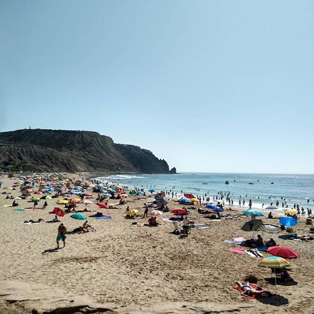 puff puff 😎🤗😁👌 looking pretty good luz! #praiadaluz #luzlagos #praia #beachlife #beach #beachftw