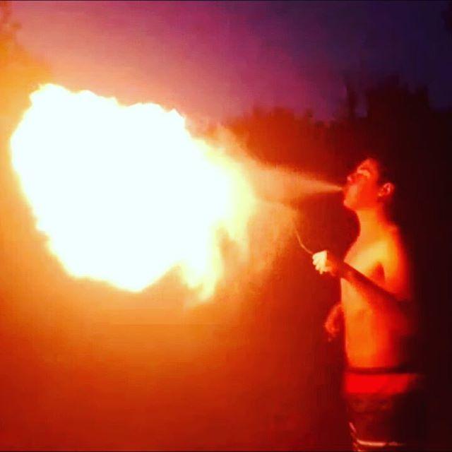 🔥 . . . . . #fuoco #magic #flame #magia #pym #mangiafuoco