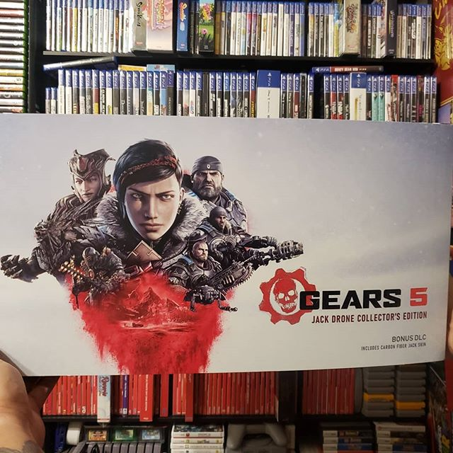 HUGE THANKS TO @emarci412 and the wonderful team @gamestopflcity for this awesome pickup * #xboxone #xboxonex #gears5 #gears #collectables #collectorsedition #drone #xboxlive #retrogamer #retrogames #retro #retrocollector #retrocollection #gameroomcollection #gameroomsetup #gameroom #gamer4ever #gamer #gamer4life #physicalmediaforever #japan #manofmaden #TrueLegionGamers #twitchaffiliate #gamestop