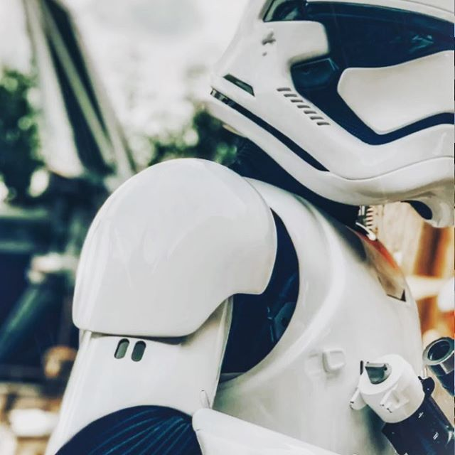 #TrooperTuesday - The elite, accurate and much improved First Order Stormtroopers (currently occupying Blackspire Outpost) 🖤 Do not make eye contact, do not catch their attention, and definitely do NOT call them 'bucket heads' — just move along ... . . . #stormtrooper #stormtroopers #thefirstorder #firstorder #firstordertrooper #firstorderstormtrooper #firstorderstormtroopers #starwarsland #starwarsland2019 #starwarslandanaheim #starwarslandgalaxysedge #galaxysedge #galaxysedge2019 #batuu #blackspireoutpost #blackspire #waltdisneyworld #starwarsfans #starwarsfan #disneyexperience #starwarslife #starwarsgalaxysedge  #swge #starwars #starwarscostume #starwarsdaily #starwarsexperience #501st