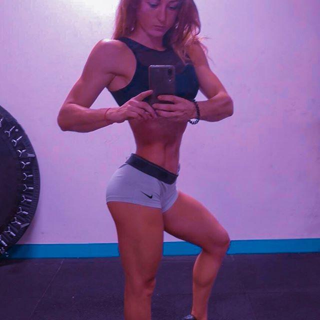 BouuuuM 💥 pose un gros BIP UP à @laura__ziv qui décolle pour OLYMPIA LAS VEGAS BIKINI 👏🏻👏🏻💪🏻✅✅ Catégorie D le 11 septembre 2019 😁 Pose y un gros 💪🏻💪🏻💪🏻 On sera là pour la soutenir 😍 Et taper quelques parties de casino aussi lol 😝  Le million le million 😘😘 Enjoy et good luck à toi pota Laura 😘  #mrolympia2019 #vegas #lasvegas #bikini #bikinicompetition #musculation #musculationfrance #musculationfemme #ohmygymofficial #montpellier #bodybuilding #roadtomrolympia