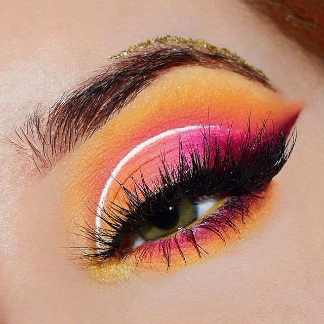 "New glam close-up inspired by @instagram ' logo and @valentiinapzz ' style (I tried 🙈). 💖 I hope you like it! ♡ —————————— Products used: - 🌺 @nyxcosmetics_italy : Epic Ink Liner • White Liquid Liner • Ultimate Palette ""Brights"" • Glitter Goals liquid liner ""Zodiac Queen"" - 🌸 @morphebrushes : 35B Eyeshadow Palette | @ilusciousworks : ""luscious"" & ""foxy"" lashes - 🌼 @benefitcosmeticsitaly : BadGal Bang Mascara | Mini Ka-Brow —————————— #makeup #makeupcloseup #makeupgoals #myartistcommunity #nyxcosmetics #morphebabe #nyxcosmetics_uk #nyxcosmetics_es #nyxcosmeticsbaltics #nyxcosmeticsitaly #nyxitalia #nyxcosmeticsgermany #nyxcosmeticsfrance #sephorabeautycommunity #undiscoveredmakeupartist #benefit #benefitbrows #makeuplooks #getfleektured #makeupinspiration #unleashyourinnerartist #flawlesssdolls #100daysofmakeupchallenge #100daysofmakeup #creativemakeup #universomakeup #dmbeauty #dmbeautytalent @dmbeauty #testandtell @testandtell"