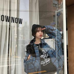 В душе кореянка