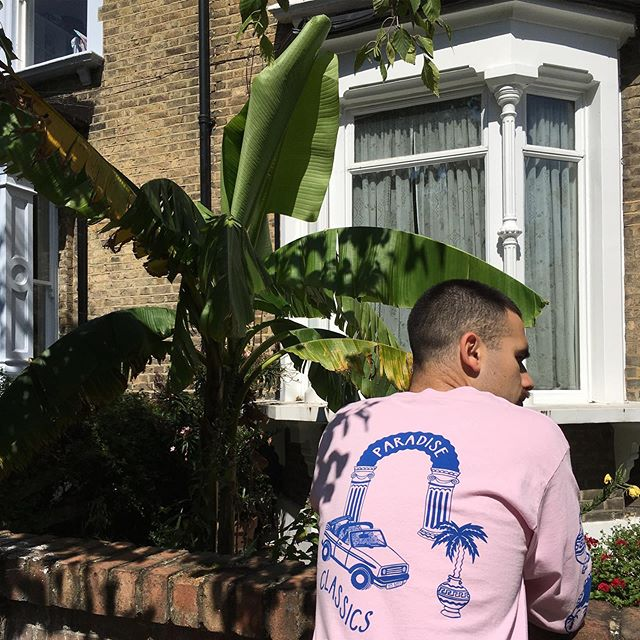 I've been reliably informed that today is ✨💰💸PAYDAY*💸💰✨ The perfect day to spend your pennies on a PARADISE CLASSICS long sleeved t-shirt 🌴✨ I'm so happy with how this came out - it's really good quality & £32! Available in white or pink - for 1 month only via @everpresshq ✨ Marsh is wearing an L & I'd say they fit true to size. Link in bio ♻️ *for some people 💦 . . . #lizzieking #lizziekingdom #everpress #paradiseclassics #longsleevedtshirt #pink #palmtrees #column