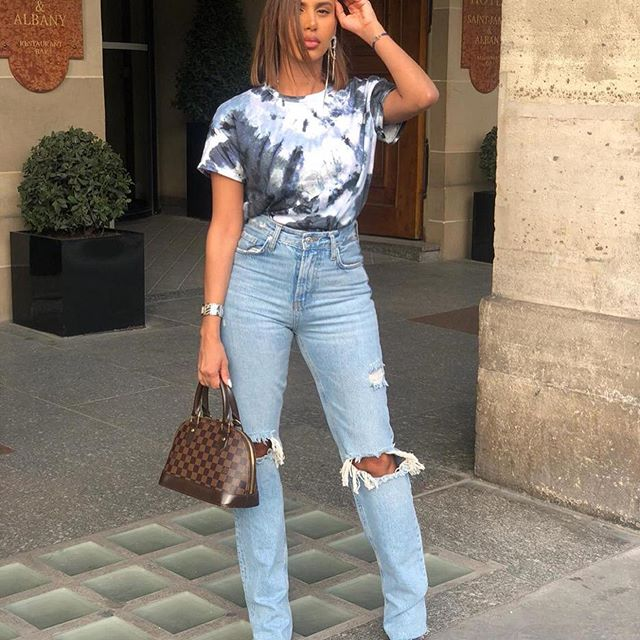 DENIM DAY 👖  référence jeans 9863/242/400 from @zara ________________________________________________________________________________________________________________________#paris#parisienne#ootd#outfitoftheday#outfit#blogger#fashion#mode#influencer#picoftheday#marloprivs#fashionbloger#jeans#lookdujour#lookofday#