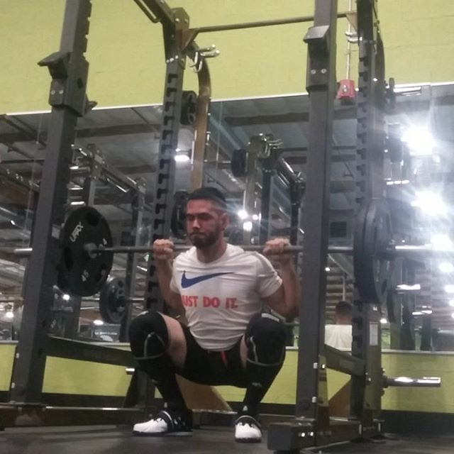 High-bar chronicles: stiff ankles and placebo knee sleeves @ RPE 8 (ish)  8x5