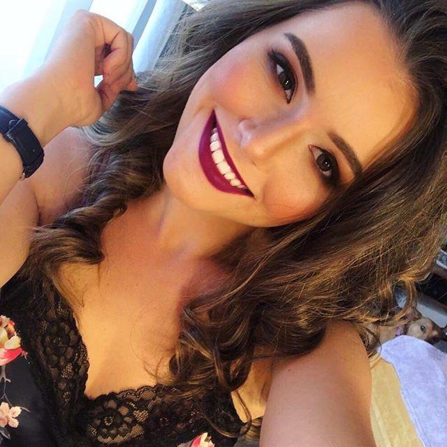 Tiffany ❤️What a gorgeous one! 🤗❤️ Imádom őt sminkelni, csodaszépséges! ✨✨✨✨✨✨✨✨✨ Make-up by me @inasmakeupalbum  #wakeupandmakeup #inavoncherrymakeup #inacserimakeup #inasmakeupalbum #makeupartist #budapestmakeupartist #makeupartistbudapest #visagistinbudapest #visagistin #sminkes #sminkesbudapest #barnasmink #brownsmokeyeye #makeupoftheday #photoshooting #photoshootmakeup #fallmakeup #autumnmakeup #brownmakeup #brownmakeuplook #hungariangirl #hungarianmakeupartists