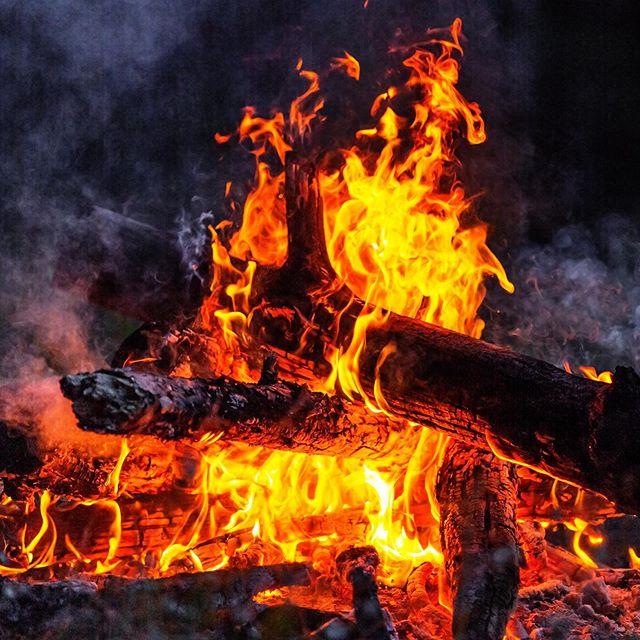 "The🔥🔥 ""Blaze"" 🔥🔥Box is next up on the Mountain Hunter Box Lineup....... #blazeorange #beseen #huntersafety #orangearmy #gunhunting"