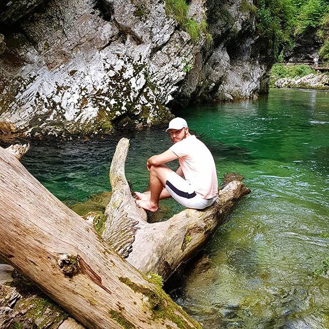 Life is like sitting on a tree trunk within beautiful clear water... ... ... ... ...well it just is! That Road Trip was living. Really living!  #roadtrip #vintgargorge #slovenia #nationalpark #holiday #vacation #travel #traveling #eurotrip #europe #balkan #bosnia #serbia #croatia #italy #switzerland #austria #germany #liechtenstein #hungary #luxembourg #belgium #traveltheworld #lovetraveling #travelbycar #beautifulcountries #clearwater #jungle