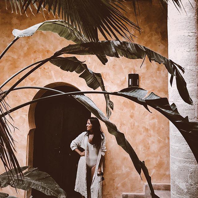 More mornings like this ✨ To book your dreamed experience or event in Morocco simply send me a DM or mail, link in bio ✨ Para planificar tu viaje o evento soñado en Marruecos simplemente mándame un mensaje directo o mail . . #dreaminginmorocco #notatravelagency #takemethere #magic #marrakech #morocco #azulbereber #wanderlust #welltravelled #summer #mood