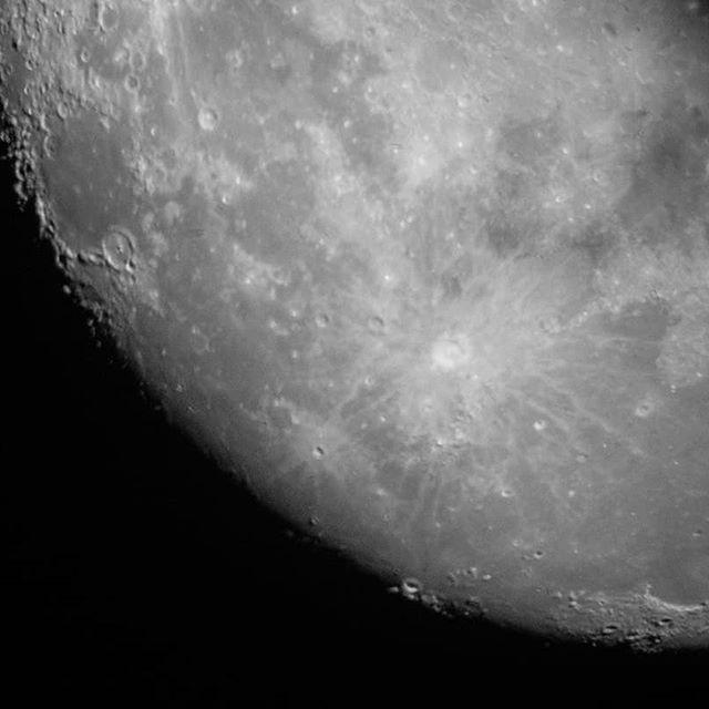 """""""One small step for a man, one giant leap for mankind"""" - Neil Armstrong, 20 luglio 1969  Il 16 luglio di 50 anni fa alle 13:32, dal Kennedy Space Center venne lanciato il razzo Saturn V che 4 giorni dopo fece sbarcare Neil Armstrong e il suo equipaggio sul suolo lunare.  #moon #observatory #montegalbiga #NeilArmstrong"""