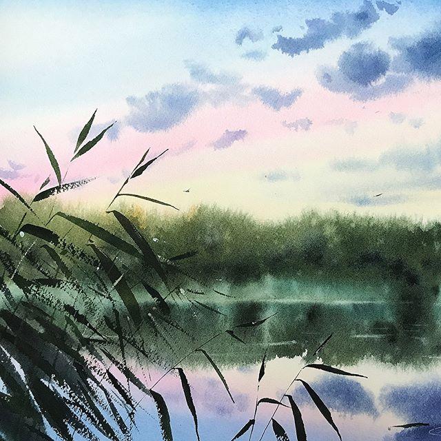 Финальный урок курса «Дыхание природы в пейзаже» 🎨 ⠀ Наш преподаватель Елена Губань @elena.guban приготовила для вас кое-что интересное в последнем уроке акварельного курса 😏 ⠀ Вы научитесь: ✔ Создавать чистые замесы пигментов ✔ Делать эффектные заливки ✔ Передавать атмосферу пейзажа не копируя фотографию ✔ Создавать воздушную перспективу ✔ Писать камыш в один подход И еще многому другому 💪🏻 ⠀ Итогом видео урока станет акварельная картина с рекой на закате и камышом на переднем плане. ⠀ Ссылку на новый акварельный курс оставляем в шапке профиля, позже ищите в разделе «Уроки рисования» на 📍doodleandsketch.com📍 ⠀ Поделитесь своим впечатлением от курса: понравилась ли тематика уроков и техника? Нам очень важно ваше мнение 🙏🏻 ⠀ ⠀ ⠀ #doodleandsketch #watercolor_blog #watercolorpainting #акварель #aquarelle #пейзажакварелью #научитьсярисовать #рисованиедлявзрослых