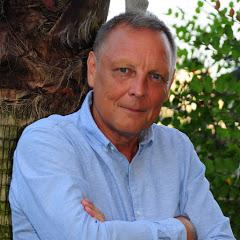 Axel Knoetig