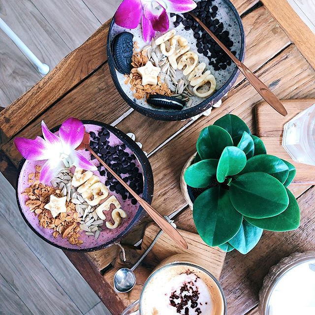Guys, if you visit Koh phangan you need to go at @beachcoconuts.bowls. Best acai bowl i've ever had 🤤😍