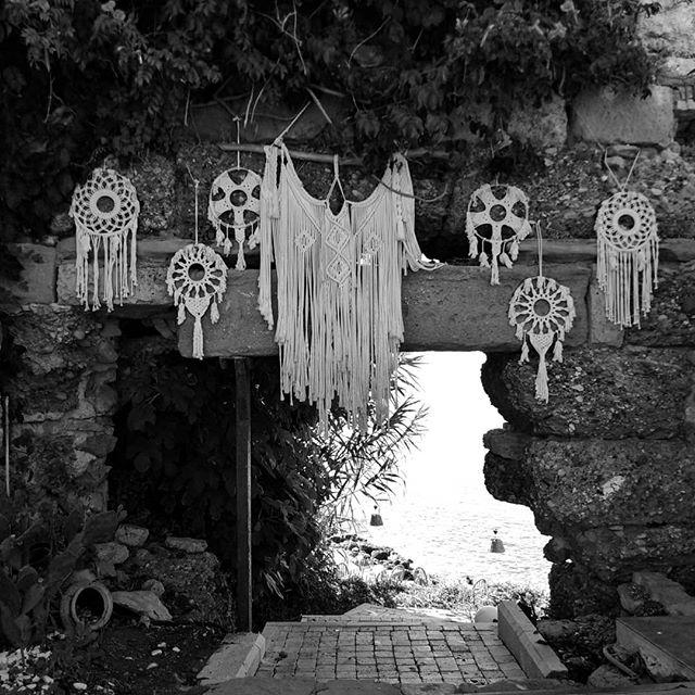 ☯️🌠☯️ #turkey #side #antalya #sea #blackandwhite #photooftheday #photo #photography #blue #old #oldtown #history #nearsea #hole #beautifull #turkish #view #likeforlike #followme #follow #road #hippie #photoshoot