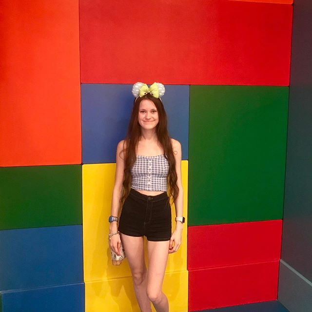Happy Wednesday everyone!  I hope you're all having a great week so far and continue to have an amazing one! 🌟 I love finding different walls in Disneyworld!  But who can tell me where you can find this one?  I'll give you a clue it's in Hollywood Studios 🌟 . . . . . #disney #disneyworld #disneyland #disneypark #disneyparks #waltdisney #waltdisneyworld #disneyig #disneygram #hollywoodstudios #disneyhollywoodstudios #toystoryland #disneyride #disneyfan #disneylove #disneylife #disneyday #disneycommunity #disneyfind #disneybringshappiness