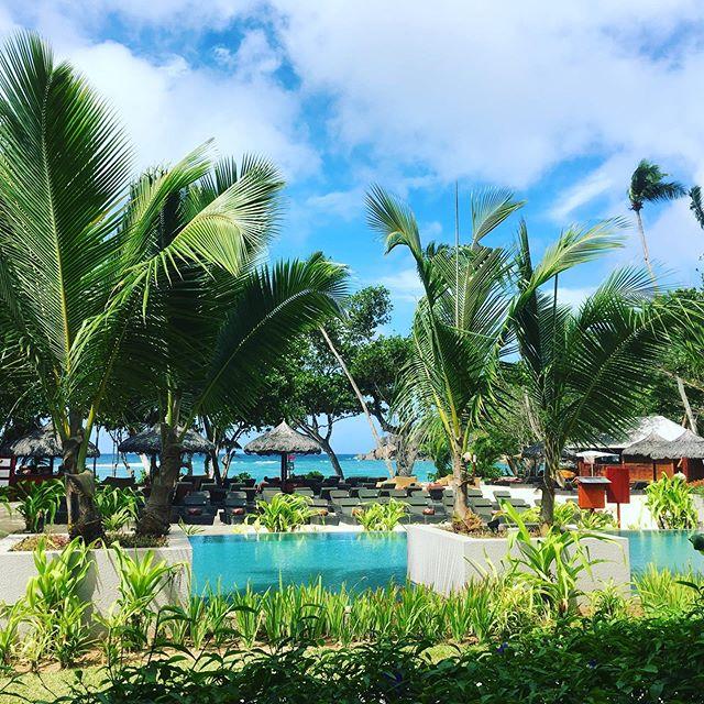 Das letzte Hotel ist ein Traum. 😍😍😍 Genau so habe ich mir die Flitterwochen gewünscht. #hannahsiebern #flitterwochen #seychellen #kempinski #autorenleben