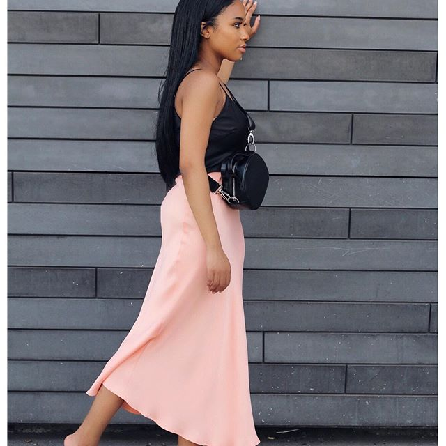 Satin skirts and dresses was definitely a favorite trend this summer... I can't wait to style for them fall.. Happy Hump Day! . . . . . . . . . . . . . #bloggernyc #nycstyleblogger #nycbeautyblogger #wiw  #whatiweartowork #stylebible  #stylishpeople #blackbloggersmatter #styleforwomen #streetstyled #blackbloggers #lovethislook #ootd #style #satinskirt #zara