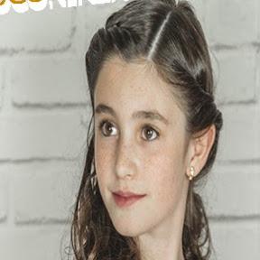 JUGANDO CON IRENE