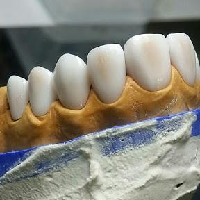 عالم الأسنان teeth world