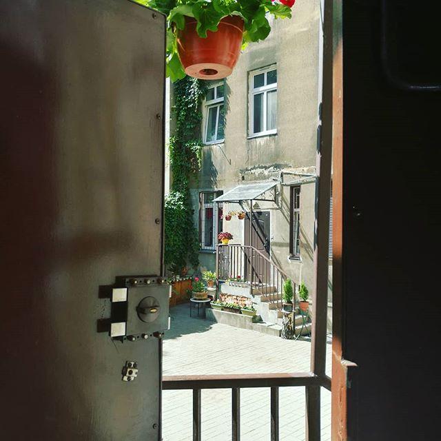 My beloved backyard. The door. View. #old memory #podwörko #sentyment #sentiment #love # memory #backbone #door, #difficult longing #fissure of life, #a crumb of memories