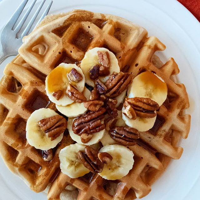 Delicious Healthy Banana Nut Waffles that are crisp on the outside and fluffy on the inside! Bananas and pecans are BFFs in this recipe and make this breakfast extra special! These waffles are made with whole wheat flour and are incredibly simple to make! Just place all the ingredients in a blender or food processor and pulse until combined! • • • Click the link in my bio for the recipe! • • • #feedfeed #f52grams #thecookfeed #gloobyfood #foodblogfeed #fbcigers #thekitchn #huffposttaste #eeeeeats #instayum #lifeandthyme #forkyeah #TOHFoodie #tasteofhome #foodblogger #healthblogger #healthyrecipes #homemade #healthierchoices #healthyfood #waffles #banananut #breakfastideas #breakfastrecipe #brunchideas #brunch #healthywaffles