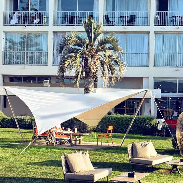 🌴 Sofitel chill 🌴 ••• Vous avez passé un bon dimanche ? ••• hope y'all had a great Sunday !! ••• #corsica_focus_on #frenchblogger #corsica #corse #beachlife  #instasummer #summervibes #girl #frenchgirl #love #beachy #summer #instalife #goodlife #goodvibes #travelgirl #igerscorsica #lifestyleblogger #teaminstagirl #discoverunder5k #topfrancebloggers #coolvibes #paradisula #sealife #gaygirlgang #iphoneX #influencer @sofitelajaccio