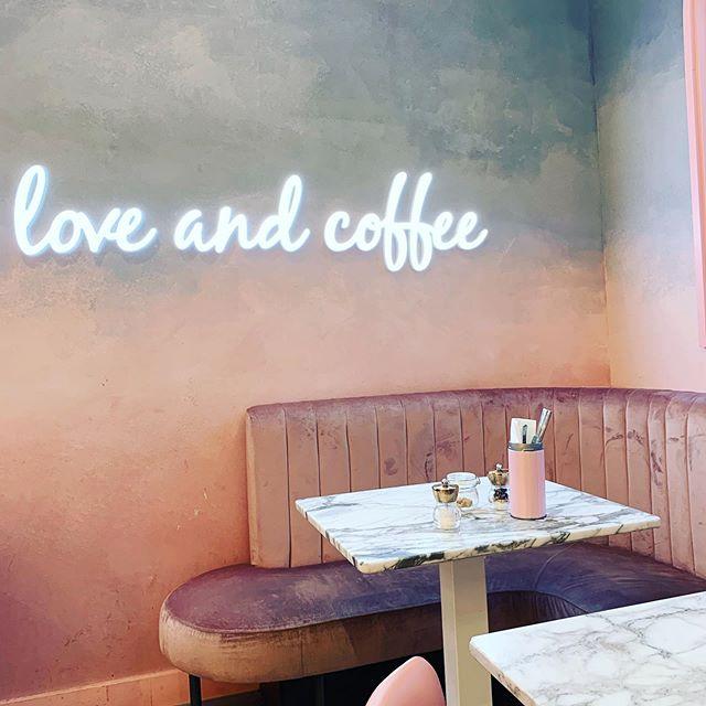 Basically a life motto ♥️☕️ . . . What's your favorite coffee beverage? Mine is iced with hazelnut & almond milk. . . . #livemoremagic #prettycitylondon #prettylittlelondon #londonrestaurants #butfirstcoffee #sundaybrunch #londonlifestyle #teamkaptainkenny #discovereverycorner #cafes #coffeeshopdesign #coffeeaddicts #igerslondon #igerseurope #foodblog #femmetravels #prettyplaces