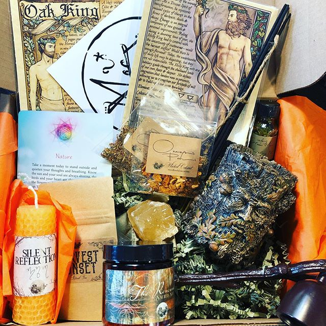 Witches moon unboxing is up on my YouTube channel! Super useful tools this month! @the.witches.moon #thewitchesmoon #witch #witchcraft #witchythings #witchy #witchyvibes #witchesofinstagram