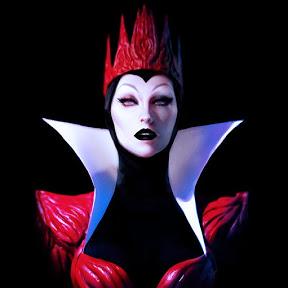 Evil Queen Morticia Addams