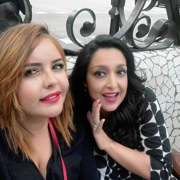 @selma_batt Salmouchti and me à Barcelone, que de bons souvenirs.  When will be our next travel?? #voyage #funtime #travelpartner #rouge #rougealevresrouge #blondehair vs #blackhair #blackhairdontcare💁🏻 #Barcelone #espagne🇪🇸☀️ #enjoy #enjoylife #lough #party #hostel #friends #mayhemmekfi7add #adh7ak😂😂😂😂