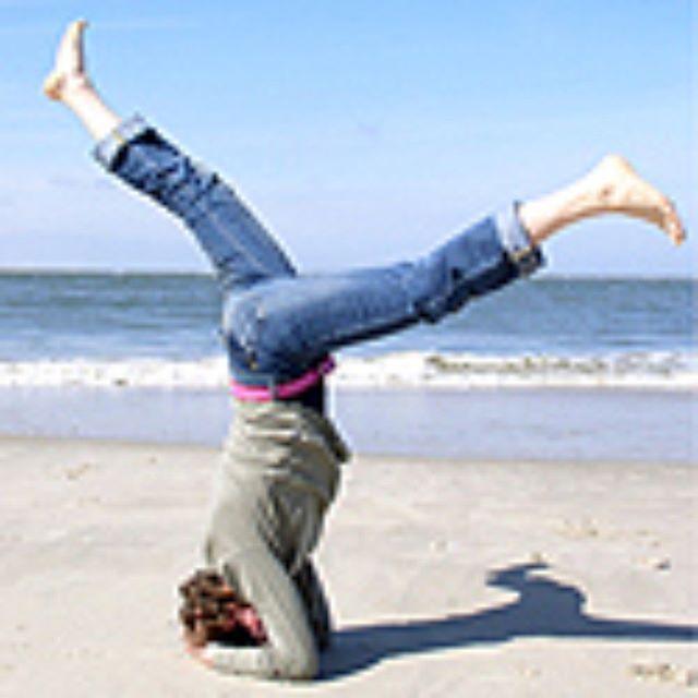 Summertime! 🏝️ Die Yogaschule macht vom 12.7.-28.9.2019 Sommerpause ☀️ Neue Yogakurse für Yoga-Anfänger und Geübte starten Ende September. Es sind in einigen Kursen noch Plätze frei. Jetzt anmelden auf yogatutgut.de. .......................................................................................................................................................................................................................................................🧘🏽♀️#yogamünster #yogatutgut #yogainspiration #yogakurse #yogaanfänger #yogafüranfänger #yogabeginner #münsteryoga #yogamuenster #kopfstand #yogaonthebeach #münsterliebe
