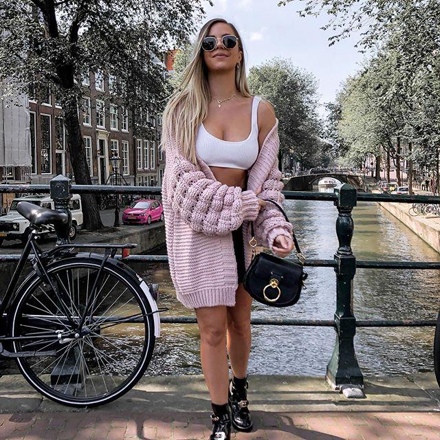Bye bye, summer 👋🏼🥺 Gelukkig is mn nieuwe favo Bubble Vest back in stock 😉 @yvies_closet_nl
