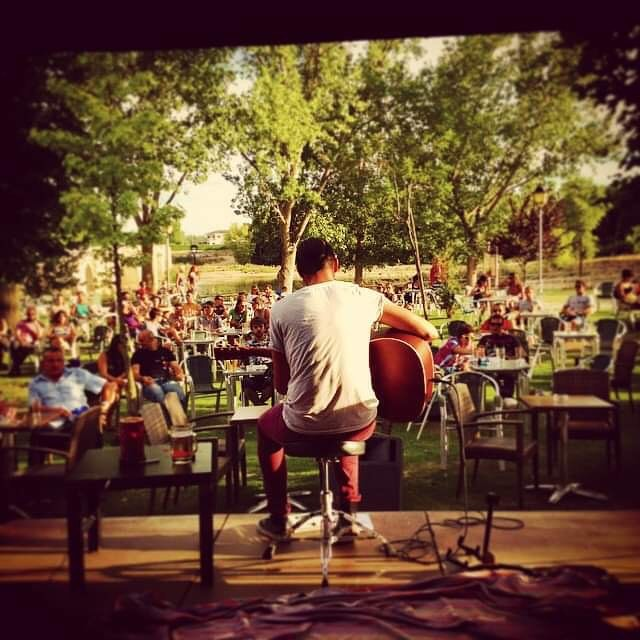 🔴 DÍA DE BOLO! 🔴 Esta tarde podréis ver a @seanmarholm en acústico en el @summerendfestival! Escenario La Baruva - Mahou IPA, A las 19:00 h. ⭕ ENTRADA GRATUITA ⭕
