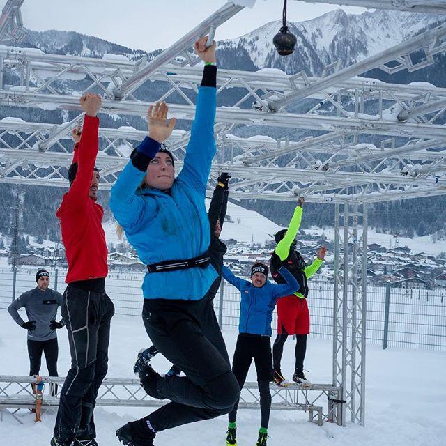 THE TWISTER 🌪 ❄️😃 • Winter Spartan Super - Kaprun 🏃🏻♂️🏃🏻♀️🗻 • Hier hatte ich die Möglichkeit als Marshall zu arbeiten und gleichzeitig ein paar Fotos der Athleten zu schießen 📸 • Ein tolles Event mit vielen inspirierenden Menschen und vielen Freunden 💪🏻😃 • • • #winterspartan #winterspartankaprun #spartanrace #spartanraceeurope #winterrace #peoplephotography #sportphotography #ocrathletes  #photooftheday #greatpeople #bestfriends #canonphotography #greatview #lightroommobile #photoshoprobert