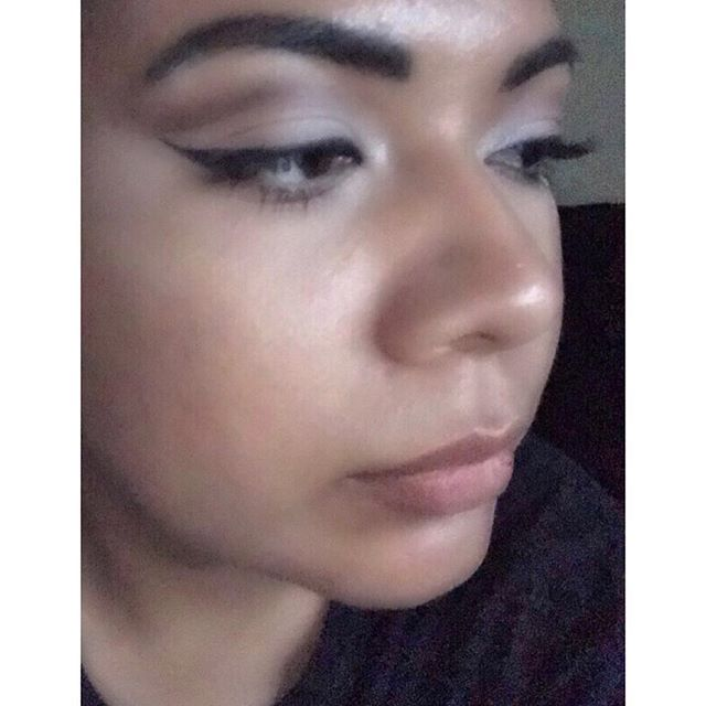 I wanted to take a decent picture of my #makeup because I really like it but my camera sucks, so here you go.