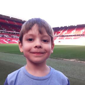 Малыш Футболист