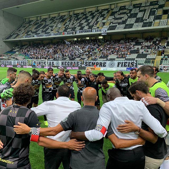 O Boavista empata com o Sporting (1-1) com o golo axadrezado a pertencer a Marlon, que se estreou a marcar pelo mágico 🏁 Obrigado a todos os Boavisteiros pelo apoio 🐾⬛️⬜️⬛️