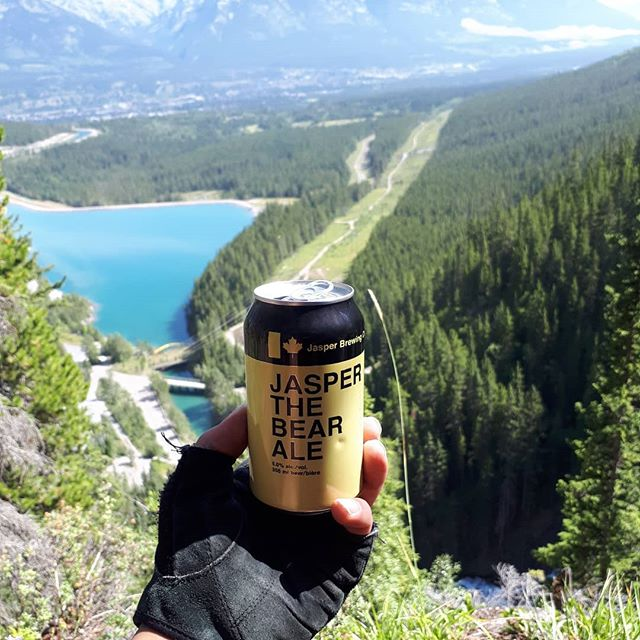 I already miss my trip. Best part was the hike. . . . #lakegrassitrail #uppergrassilake #superkidknowledge #superduper #sdxo #beer #hike #vacation #bearale #ale #beautifulview #lake #beautiful #canmore  #blessings #skyview #greatlakes #alcohol #drinking #awesome #cool