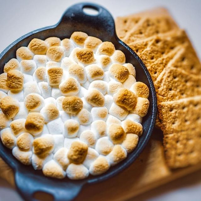 S'mores dip anyone? Last night I was craving a cozy snack that I could make on the cheap. I stumbled across this s'mores dip recipe on the @dollartree blog and thankfully my local Dollar Tree was still open. They had all the ingredients I needed to whip up this marshmallow chocolatey goodness! Plus, everything was legit $1! 🙌🏽 . . Visit your nearest Dollar Tree to find affordable recipe ingredients. Click the link in my bio for inspiration! . . . . . . #hbtdtrecipes  #DTdelicious #Everythings1Each #DTmealideas #ad #smores #dessert #desserts #dessertgram #instadessert #dessertinstagram #dessertime #grahamcrackers