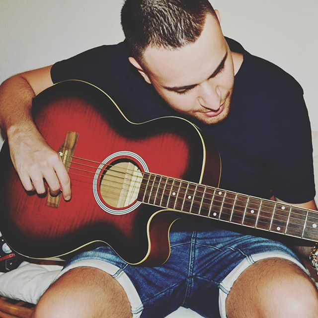 Don't tell me to stop...❌ Tell the rain not to drop... 🌧️ Tell the wind not to blow...🌬️ 'cause you said so... 💕 . . . . . #italianboy #acoustic #instagood #salento #happy #instafun #instaparty #overjoyed #smile #madamex #likesforlikes #instalike #puglia #me #attitude #face #eyes #life #love #cuteboy #cute #handsome #likeback #italiansdoitbetter #picoftheday