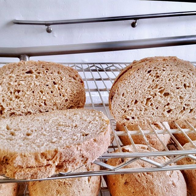 We kinda have some big news..... STARTING TODAY YOU CAN ORDER SLICED LOAVES!  Have a subscription? Email us so we can figure out how to slice it! Questions@cocobakesla.com