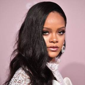 Rihanna France Navy