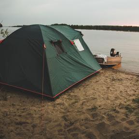 Двое с палаткой